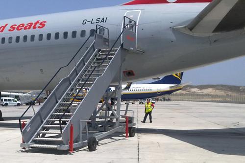 passenger-boarding-stairs